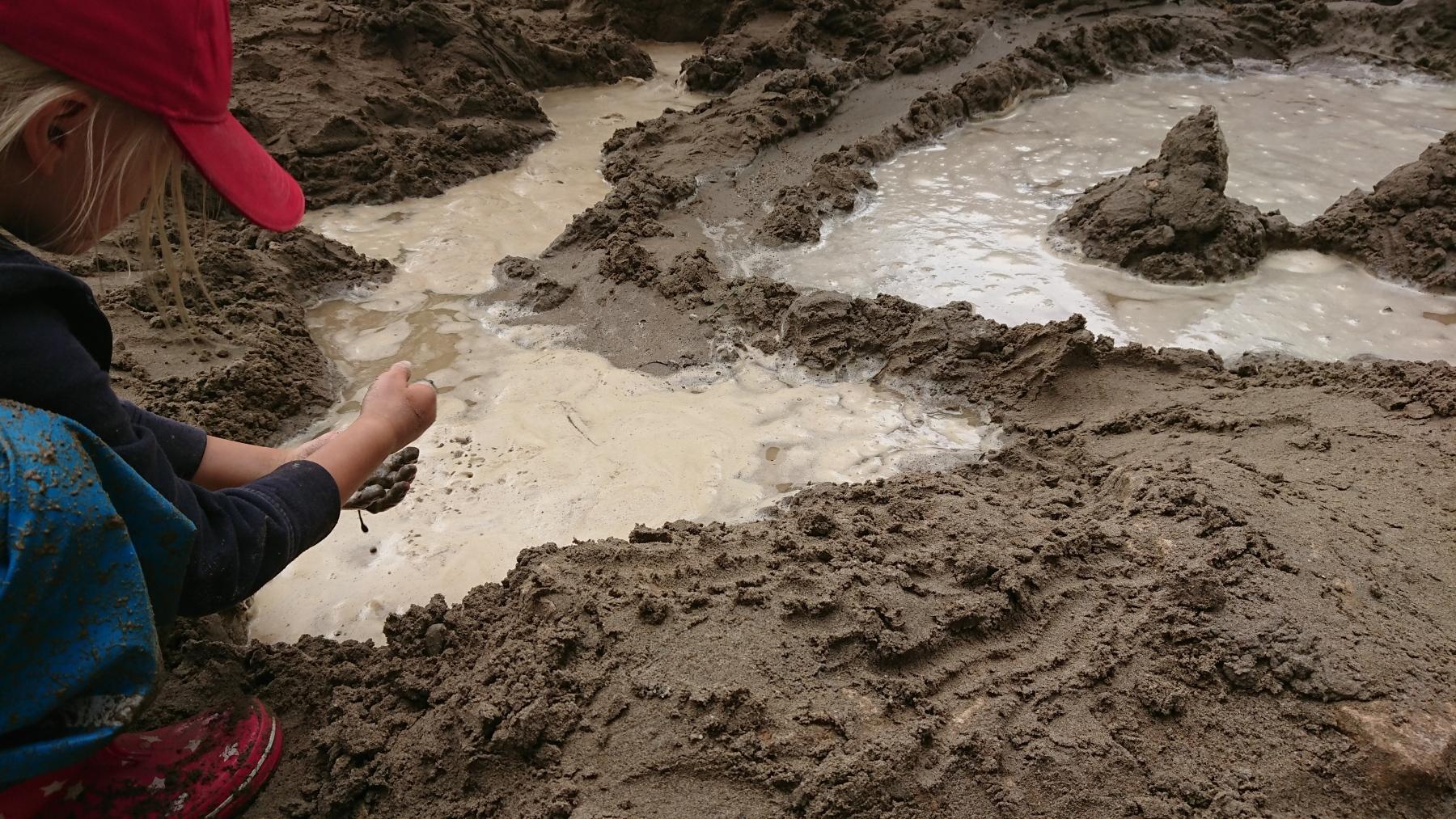 Lehm Form Feuer Wasser